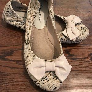 Ladies Bare traps Shoes Sz 8